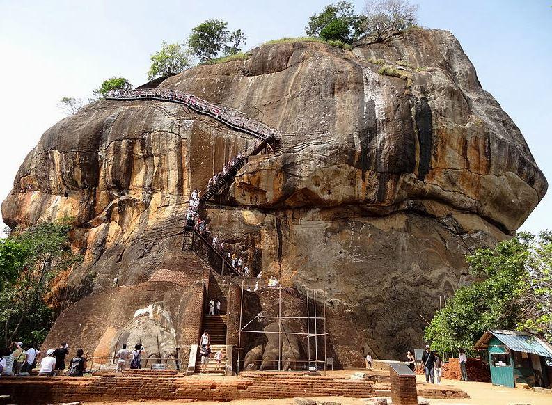 Lwia Skała na Sri Lance. Fot. Cherubino Creative Commons