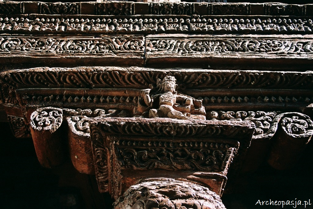 Kunsztowne rzeźbienia. Klasztor Alchi w Ladakhu