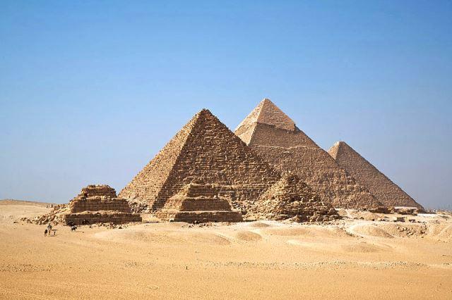 Piramidy w Gizie. Fot. Ricardo Liberato. Creative Commons