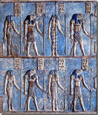 Relief ze światyni Hathor w Denderze. Fot. Olaf Tausch. Creative Commons