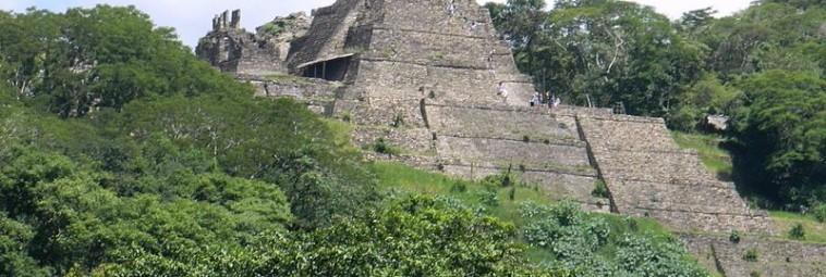 Rzeźby wojowników z Copan odkryte w meksykańskim Tonina