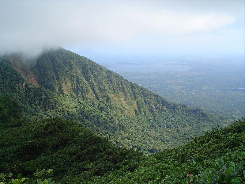 Wulkan Mombacho w Nikaragui. Fot. Keith. Creative Commons