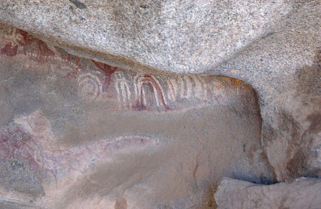 Malowidła z Ayo Rocks na Arubie. Fot. Jerrye & Roy Klotz. Creative Commons