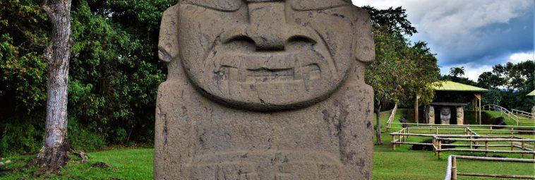 W krainie megalitycznych grobowców i monumentalnych posągów. Kilka słów o San Agustín w południowej Kolumbii