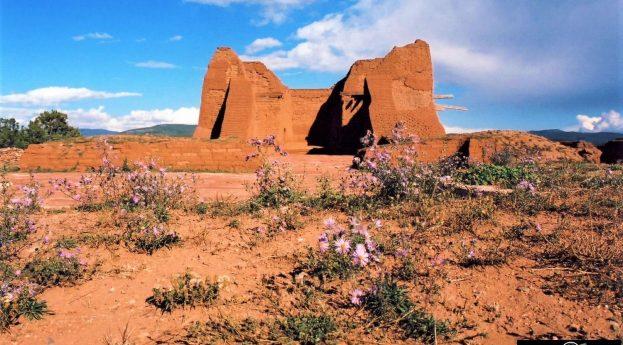 Hiszpańskie misje w krajobrazie Nowego Meksyku