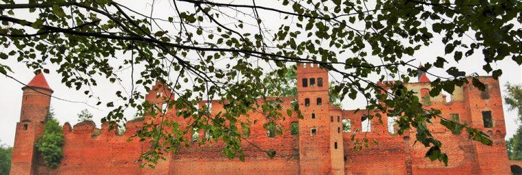 Zamek w Szymbarku – tajemnicza perła Pojezierza Iławskiego